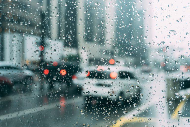 第36屆全球華文學生文學獎入圍作品【雨天】