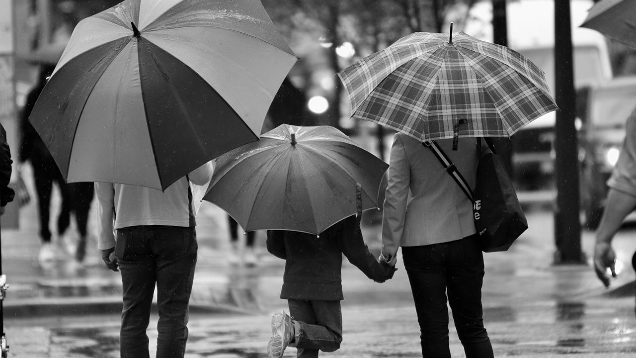 106明道文學獎得獎作品【下雨天的時候】