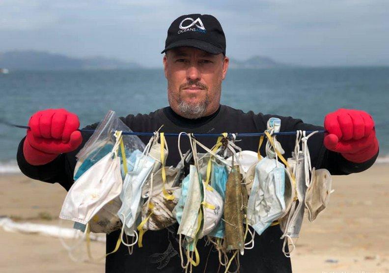 口罩垃圾海?科學家在香港外海發現大量口罩廢棄物