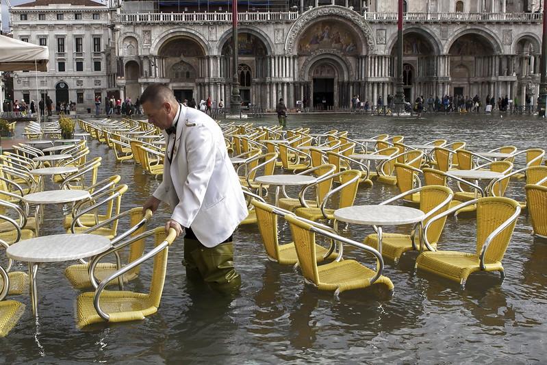 輸給海水的「摩西」?威尼斯淹水突襲…防洪奇觀的20年等待大失望